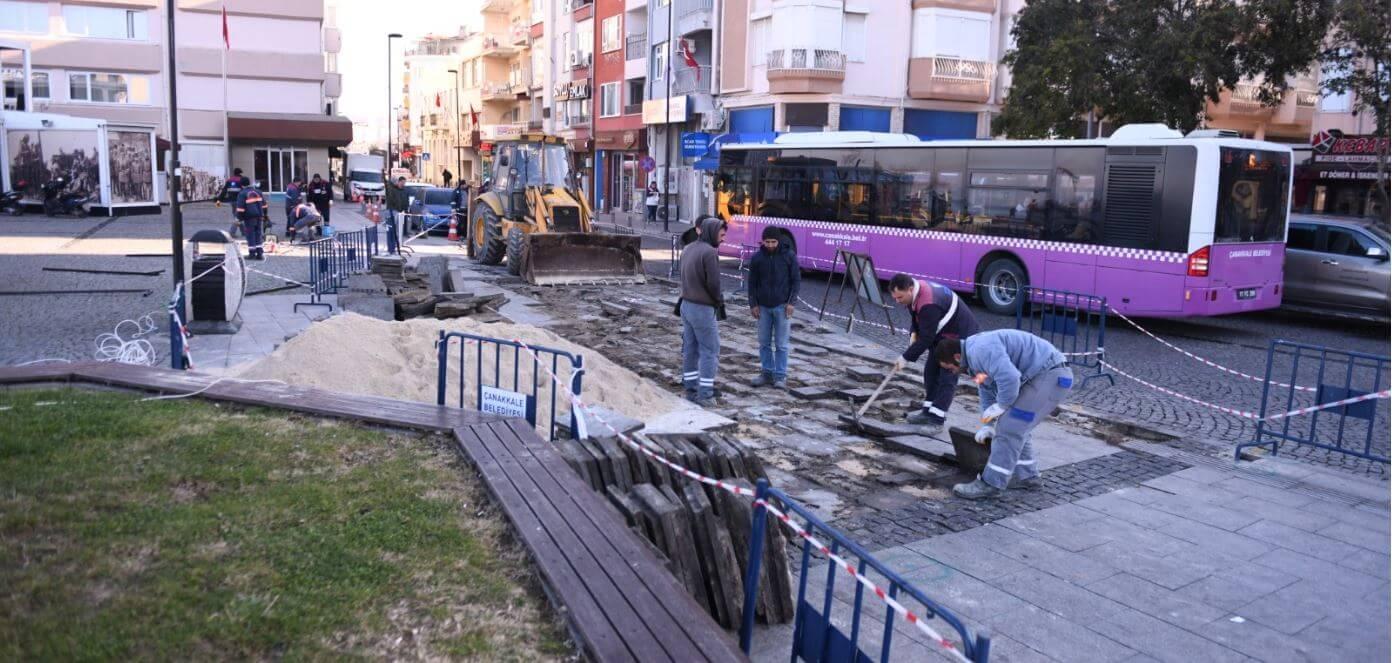 İskele Meydanı'nda Durak Alanı Düzenleme Çalışması Gerçekleştiriliyor